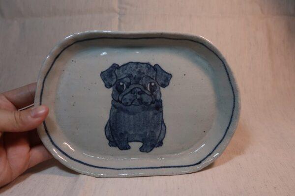 だ円皿 黒パグ